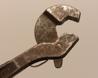 """Vintage 1940s Heller Brothers 10"""" Masterench Adjustable Spanner - vintage shop, vintage garage, vintage tools, pipe wrench"""