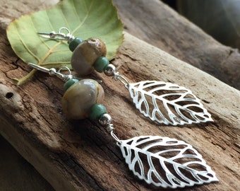 Pretty earrings/ gift for her/ woodland jewelry / leaf earrings