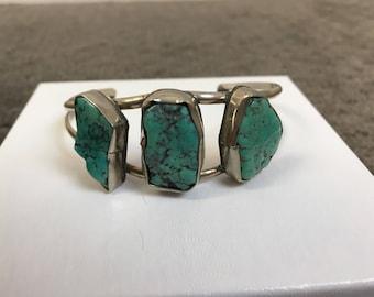 Vintage Turquoise Bracelet// Turquoise Cuff Bracelet// Vintage 3 Stone Turquoise Bracelet (F1)