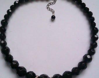 black faceted glass bead choker