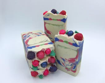 Frosted Berry goat milk soap