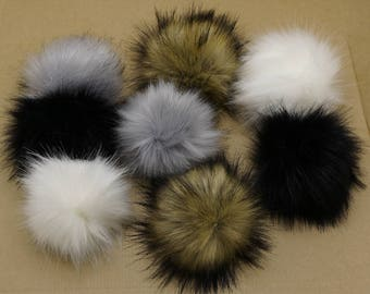 Large faux fox fur pom pom, Ideal for knitted hats or keyring TZ2411