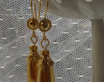 """High Quality Golden """"Roman Pearl"""" Drop Earrings, Gold-Plated Earwires, Civil War Appropriate - Affordable Elegance"""