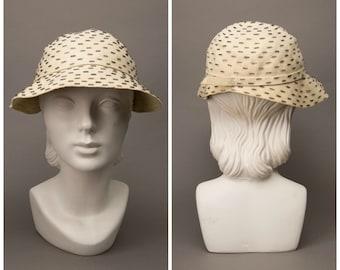 1920s Cream Beaded Cloche Hat