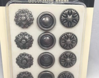 Making memories decorative Brads -Pewter