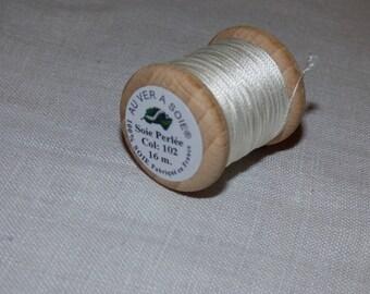 Spool of 16 meters of silk beaded No. 102