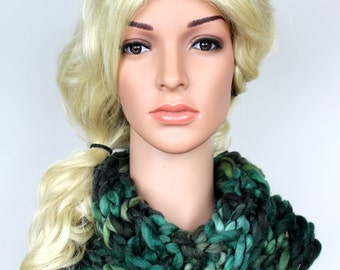 Green Knit Scarf Chunky Knit Scarf Women Knitted Snood Scarf Chunky Cowl Scarf Knitted Scarf Women Green Cowl CHA Mother Day from Daughter