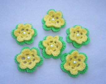 6 flowers crochet yellow and green, yellow pearls
