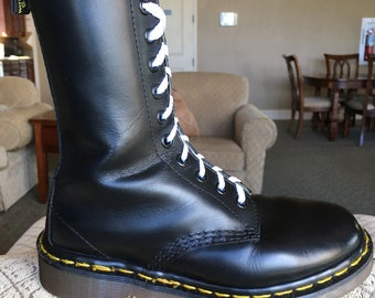 90's Vintage Dr Martens 10-eye boots US 5 doc 1490 1914 womens shoes airwair uk3 dr. black eyelet hole 1460