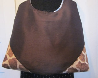 Giraffe, cross body bag, fully lined, inside pockets, washable, reinforced corners,made to last, comfort strap.