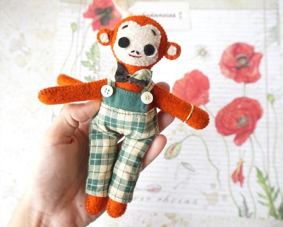 Monkey Doll, Monkey Art, Stuffed Animal, Unique Gift, Monkey Toy, Wool Felt, Monkey, Waldorf toy, Animal Handmade, Animal Toy, Dadanoias