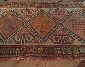 Antique Table Mat