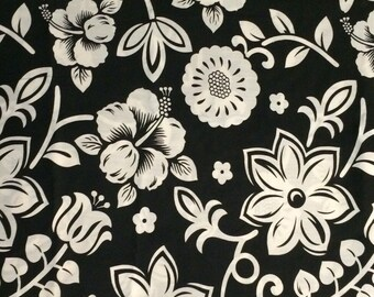 Cotton Fabric / Black and White Floral Cotton Fabric / Floral Fabric / Floral Cotton Fabric / Black and White Floral / 1 Yard / BTY