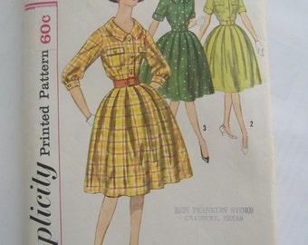 Simplicity Pattern 3555, Misses' Dress, Size 12, Bust 32, Uncut