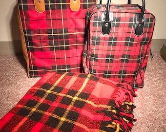 Fabulous vintage plaid Faribo throw blanket / stadium cushion