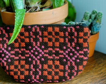 Vintage Tapestry Change Purse/ 1960s- 1970s change purse