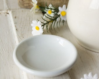 Antique White Ironstone beurre Pat Royal Ironstone Johnson Bros - ferme Style cuisine salle a manger Decor - campagne Shabby Chic-