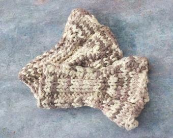 PDF Wrist Warmer Knitting Pattern. Knit Ruffle Fingerless Gloves PDF Pattern, Instant Download, Accessory