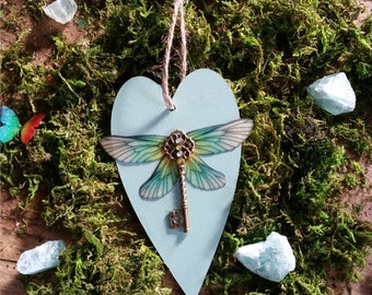 Magical Winged-key Heart Wall hanging (Green)