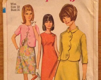 1967 sleeveless dress, jacket, Simplicity 6957 miss size 10 bust 31, sewing pattern, women's scalloped shrug, A-line frock, Vintage supply
