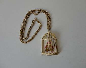 VINTAGE gold tone caged LOVEBIRDS pendant NECKLACE