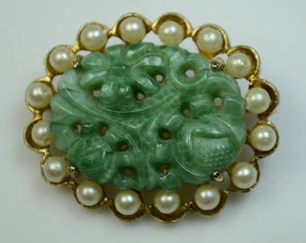 Marvella© Carved Glass Jade Oriental Style Pin