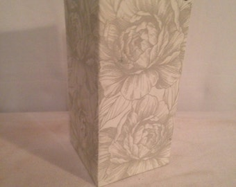 Old Vase GULT DESIGN square ceramic Rose Decoration