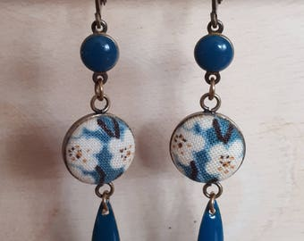 Earring cabochon navettes, blue duck enameled beads and Japanese fabric