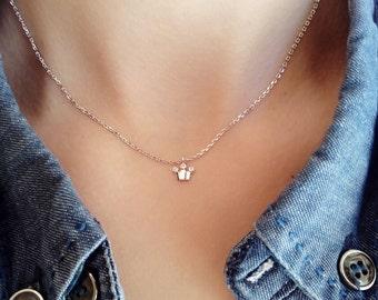 Tiny crown necklace, zirconia necklace, dainty necklace, charm necklace, minimalist jewelry,