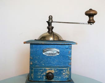 Le Vainquer Blue Chippy Paint French Coffee Grinder