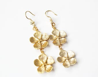 Gold plated drop earring