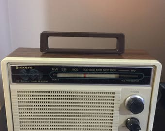 Vintage 1970's Sanyo Big Power RL 1005w Radio