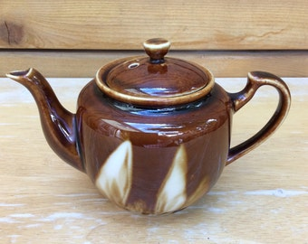 Stunning vintage Brown Betty 1 cup Teapot.