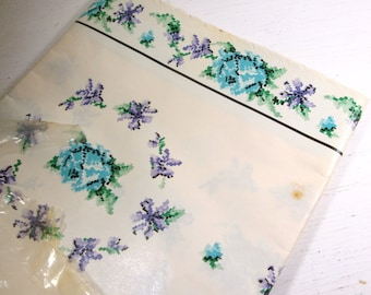 Vintage Shelf Liner Paper, Roylies, Kitchen Decor, Decorative Paper, Retro, Plastic, Flowers, Blue, Purple, Upcycle, Paper Projects (702-15