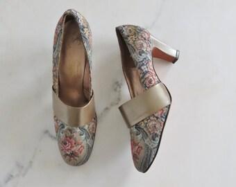 60s floral brocade heels / vintage heels size 7N