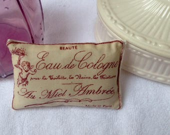 "Cushion ""Water of Cologne"" - Collection of yesteryear perfume"