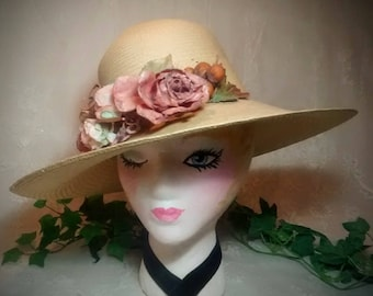 Vintage Ladies Straw Hat – Cream-Colored with Cluster of Roses and Fruit