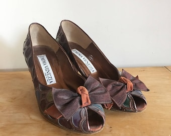 Vintage 90s Mima Venezia Leather Patchwork Heels, Bow Heels, Peep Toe Heels, Genuine Leather Pumps, Made in Italy, Size 37.5