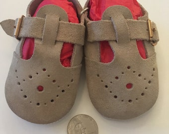 Vintage shoes, suade Mary Janes size toddler