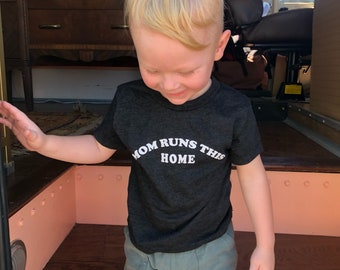 Mom Run This Home tee