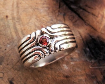 Ring with stone, Women ring, Birthstone ring, Designer ring, Gem ring, band ring, Sterling silver band ring, Silver ring with garnet