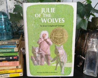 Julie of the Wolves - Jean Craighead George - 1972 - Hardcover - Vintage Children's Book