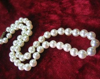 Glass Simulated Pearl Necklace Knotted Between Each Bead Free Shipping in USA