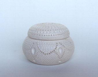 Antique Hand Carved Meerschaum Lattice Trinket Box