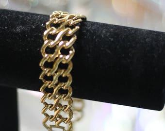 90's  Gold Link Chain Bracelet