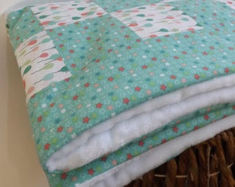 Cotton and Sherpa fabric very warm fleece baby blanket!