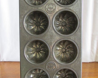 Primitive EKCO Swirl Muffin Tin