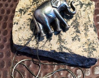 Vintage Silver Elephant on a 32 inch Silver chained