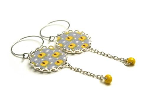 Earrings rings geometric bead wood and fabric designer yellow/gray