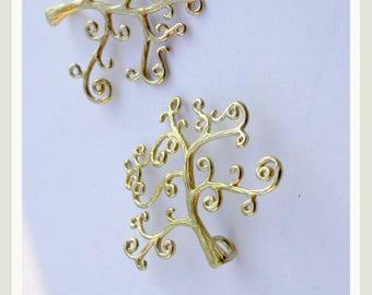 a tree pendant pure brass matte gold. 2.90 euros